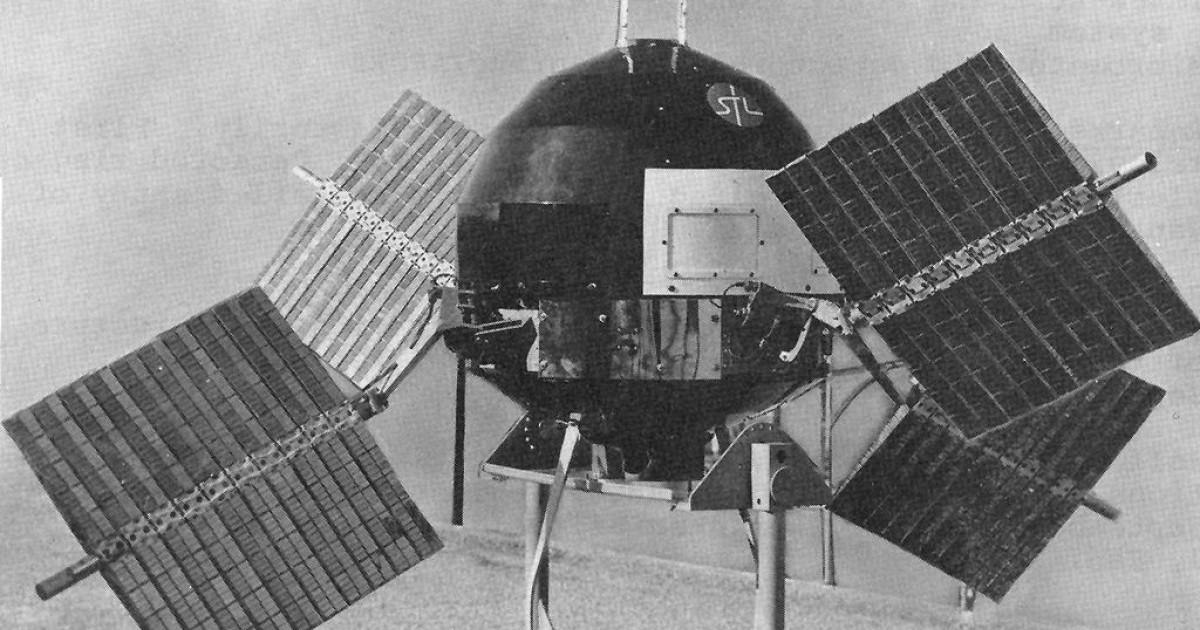 Satelite Explorer 6